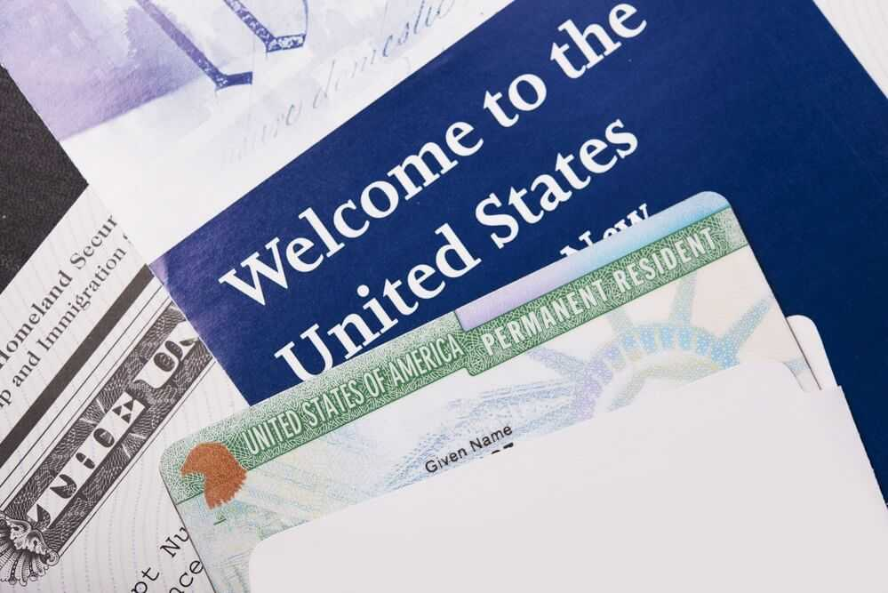 Green card: benefits and obligations