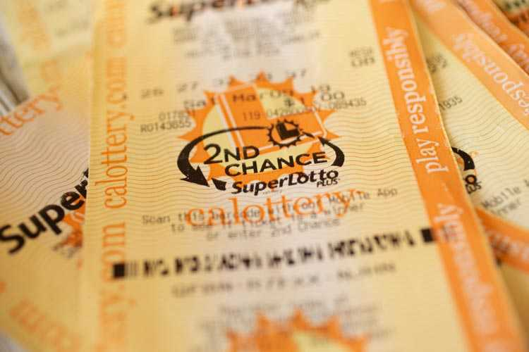 Is it possible to play American lotteries online?