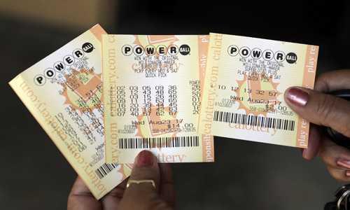 Powerball джек-пот лотереи американский хит знак 1 млрд долларов сша. главный приз запись всего времени в сша powerball. | powerball лотереи